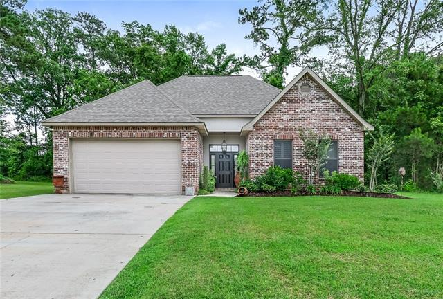 101 Coquille Drive, Madisonville, LA 70447 (MLS #2156756) :: The Robin Group of Keller Williams