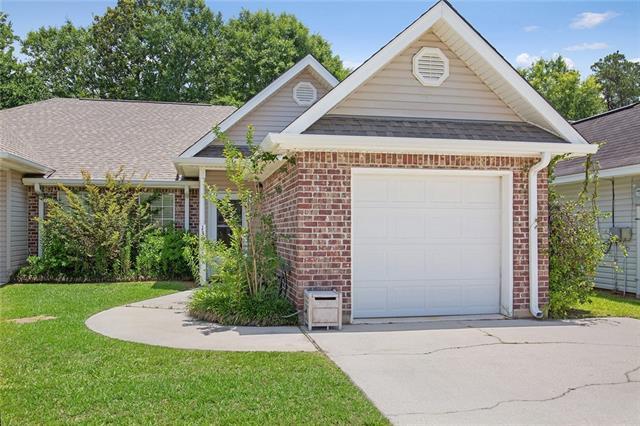 136 Emerald Pines Court, Mandeville, LA 70448 (MLS #2156885) :: Parkway Realty
