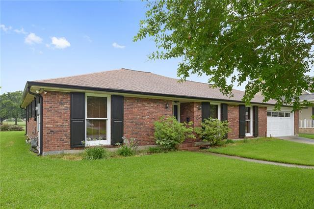 617 Fairfield Avenue, Gretna, LA 70056 (MLS #2159485) :: Crescent City Living LLC