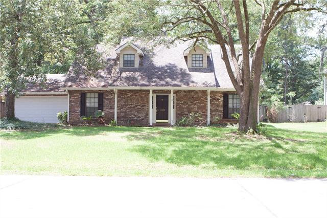 380 Azalea Drive, Mandeville, LA 70471 (MLS #2159584) :: Turner Real Estate Group