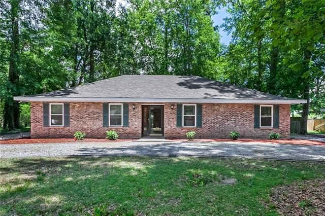 305 Evergreen Drive, Mandeville, LA 70471 (MLS #2160499) :: Turner Real Estate Group