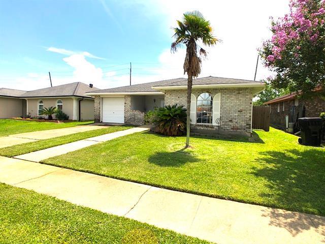 3672 W Loyola Drive, Kenner, LA 70065 (MLS #2160828) :: Parkway Realty