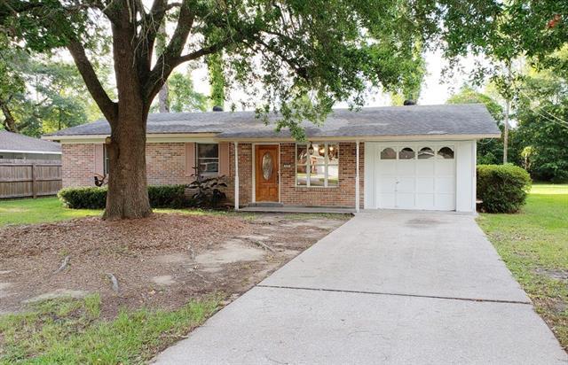 305 Robinhood Drive, Covington, LA 70433 (MLS #2160864) :: Turner Real Estate Group
