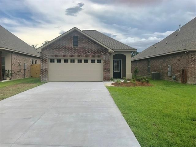 19098 Greenleaf Circle, Ponchatoula, LA 70454 (MLS #2161368) :: Crescent City Living LLC