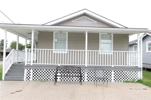 774 Avenue B Street, Westwego, LA 70094 (MLS #2161375) :: Crescent City Living LLC