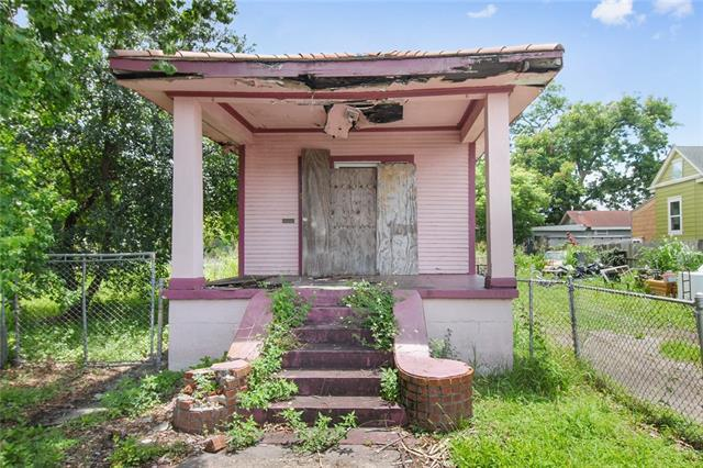 719 Tricou Street, New Orleans, LA 70117 (MLS #2161399) :: Crescent City Living LLC