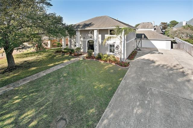 62 Chateau Mouton Drive, Kenner, LA 70065 (MLS #2161615) :: Parkway Realty