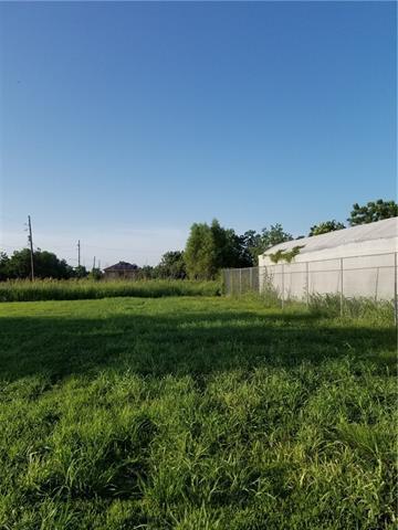 5005 N Miro Street, New Orleans, LA 70117 (MLS #2161806) :: ZMD Realty
