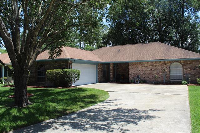 213 Lake Village Boulevard, Slidell, LA 70461 (MLS #2161965) :: Parkway Realty