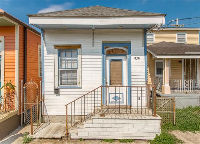 838 Deslonde Street, New Orleans, LA 70117 (MLS #2162301) :: Crescent City Living LLC