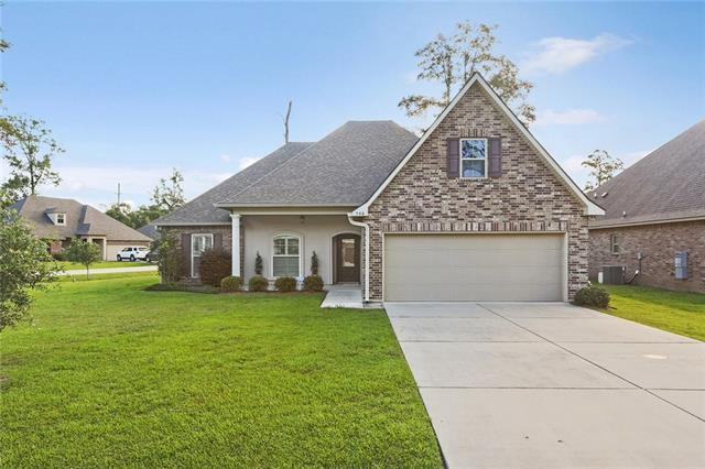 940 Woodsprings Court, Covington, LA 70433 (MLS #2162728) :: ZMD Realty