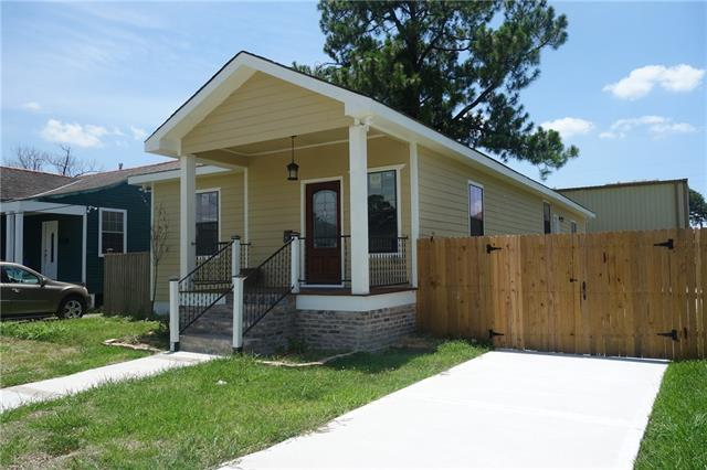 4322 Rayne Drive, New Orleans, LA 70122 (MLS #2162827) :: Parkway Realty