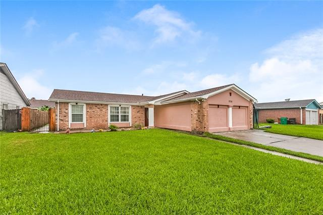 3736 Woodbriar Drive, Harvey, LA 70058 (MLS #2163376) :: Turner Real Estate Group