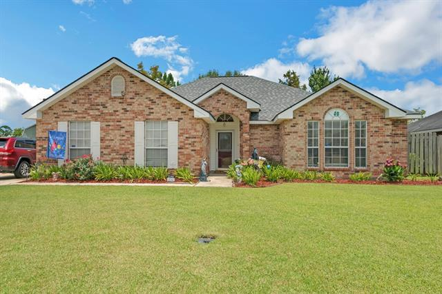 2240 Greenwood Drive, La Place, LA 70068 (MLS #2163853) :: Parkway Realty