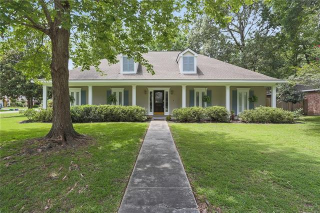 5005 Chateau Loire Boulevard, Mandeville, LA 70448 (MLS #2163970) :: Turner Real Estate Group
