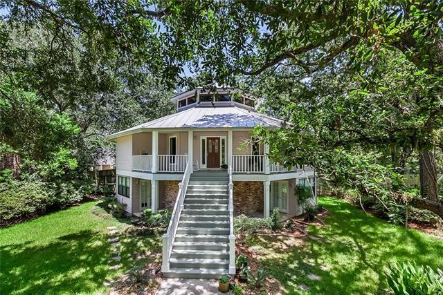 135 Hickory Street, Mandeville, LA 70448 (MLS #2164006) :: Turner Real Estate Group