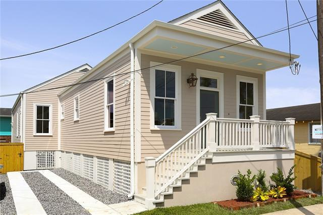 6011 Dauphine Street, New Orleans, LA 70117 (MLS #2164221) :: Crescent City Living LLC
