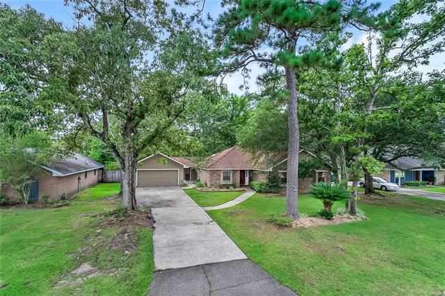 203 E Queensbury Drive, Slidell, LA 70461 (MLS #2164805) :: Watermark Realty LLC
