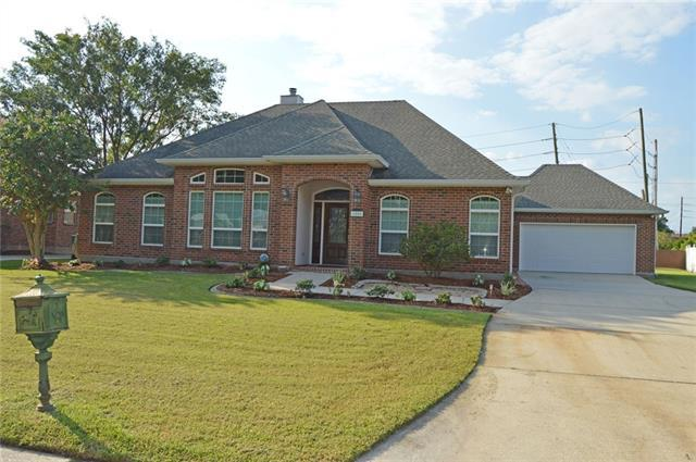 1805 Lake Superior Drive, Harvey, LA 70058 (MLS #2166259) :: Turner Real Estate Group