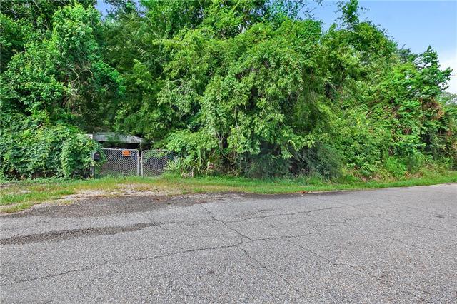 1830 Monroe Street, Mandeville, LA 70448 (MLS #2167330) :: Parkway Realty