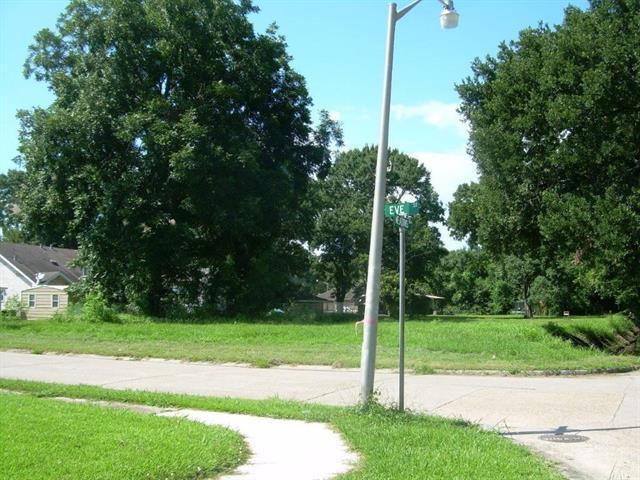 401 Meadows Drive, Destrehan, LA 70047 (MLS #2167447) :: Turner Real Estate Group