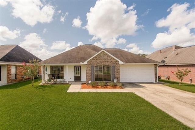 26013 Burlwood Avenue, Denham Springs, LA 70726 (MLS #2167862) :: Turner Real Estate Group