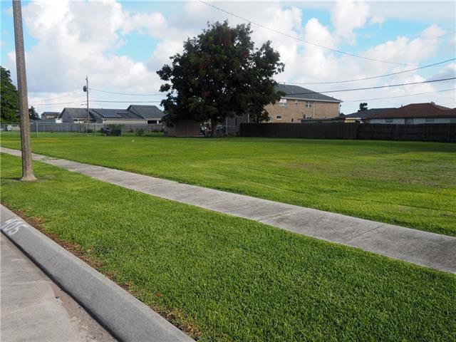 401 Cougar Drive, Arabi, LA 70032 (MLS #2168537) :: Robin Realty