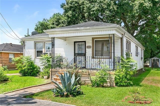 3906 Iroquois Street, New Orleans, LA 70126 (MLS #2168595) :: Turner Real Estate Group