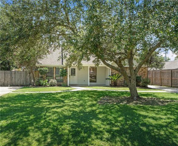 403 Maria Avenue, Abita Springs, LA 70420 (MLS #2168663) :: Crescent City Living LLC
