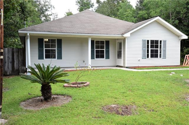 26015 E Elm Street, Lacombe, LA 70445 (MLS #2168915) :: Crescent City Living LLC