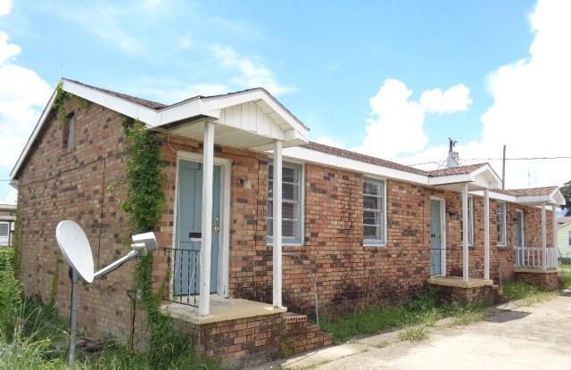 1207 Solon Street, Gretna, LA 70053 (MLS #2169305) :: Crescent City Living LLC