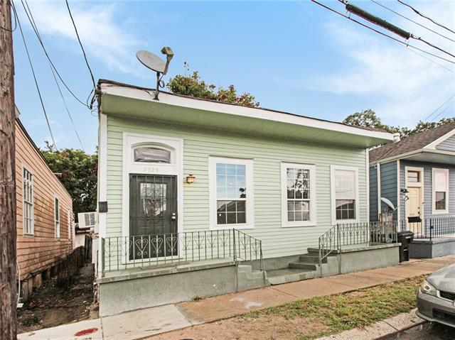 2323 Aubry Street, New Orleans, LA 70119 (MLS #2169948) :: Robin Realty