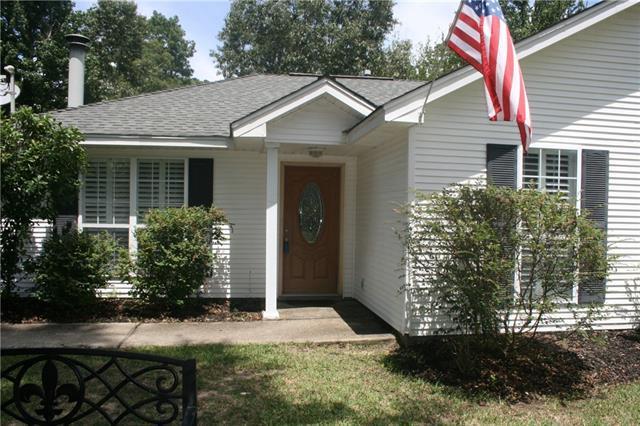 1643 Calhoun Street, Mandeville, LA 70448 (MLS #2170033) :: Turner Real Estate Group