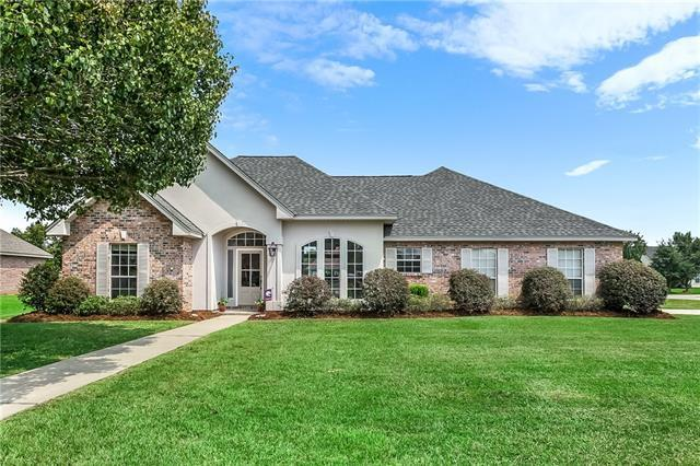 600 Foxfield Lane, Madisonville, LA 70447 (MLS #2170503) :: Turner Real Estate Group