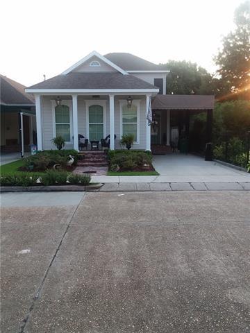 515 Lavoisier Street, Gretna, LA 70053 (MLS #2171176) :: Crescent City Living LLC