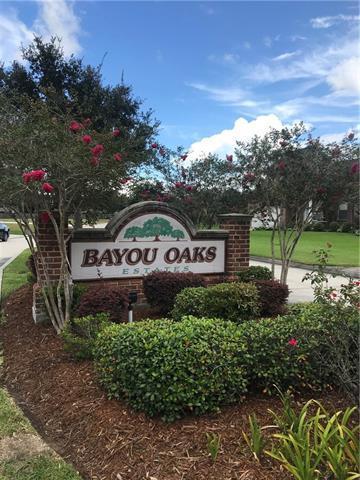 Bayou Oaks Circle, Marrero, LA 70072 (MLS #2171339) :: Crescent City Living LLC