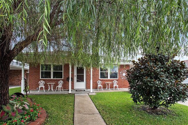 225 Pike Drive, Gretna, LA 70053 (MLS #2171408) :: Crescent City Living LLC