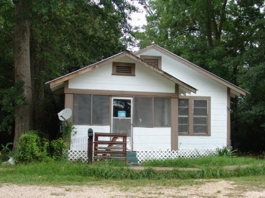 831 East 4Th Street, Bogalusa, LA 70427 (MLS #2171943) :: Watermark Realty LLC
