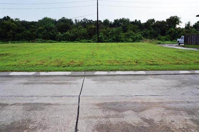 4208 Lac Bienville Drive, Harvey, LA 70058 (MLS #2172122) :: Watermark Realty LLC