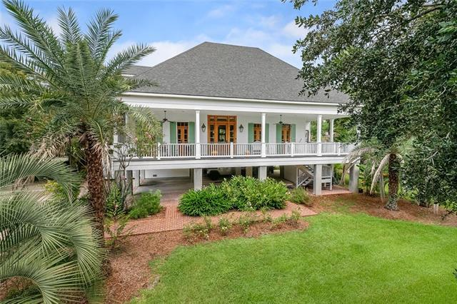 150 Coffee Street, Mandeville, LA 70448 (MLS #2172233) :: Watermark Realty LLC