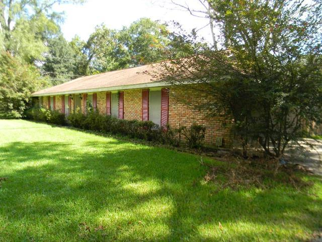 104 Lee Circle, Bogalusa, LA 70427 (MLS #2172470) :: Watermark Realty LLC