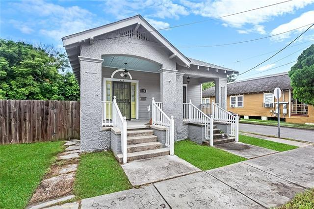 922 Saint Maurice Avenue, New Orleans, LA 70117 (MLS #2172776) :: Crescent City Living LLC
