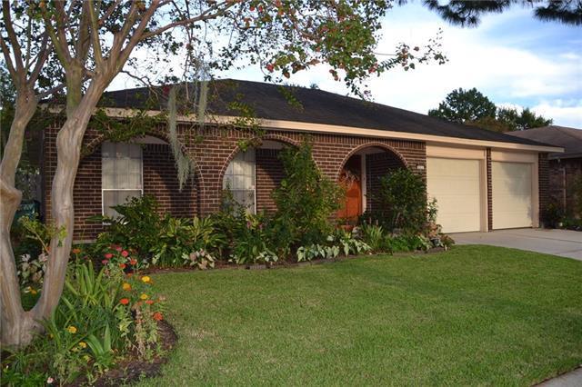 833 Terry Parkway, Terrytown, LA 70056 (MLS #2173116) :: Crescent City Living LLC