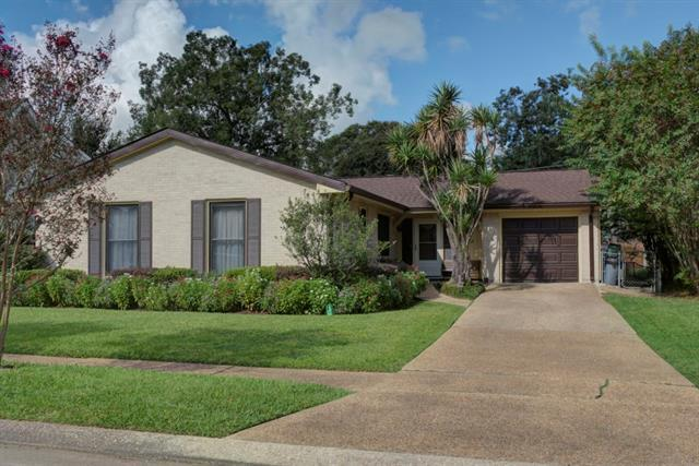 2608 Ingrid Lane, Metairie, LA 70003 (MLS #2174122) :: Turner Real Estate Group