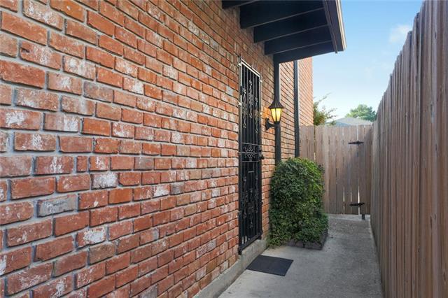 106 Lilac Street, Metairie, LA 70005 (MLS #2174128) :: Parkway Realty