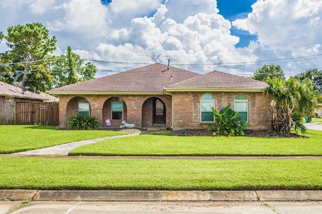 2349 S Friendship Drive, Harvey, LA 70058 (MLS #2174583) :: Crescent City Living LLC