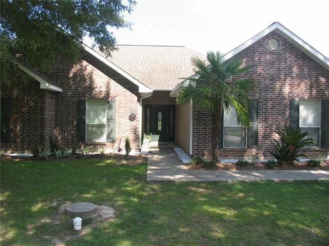 40214 Morgan Drive, Ponchatoula, LA 70454 (MLS #2174652) :: Crescent City Living LLC