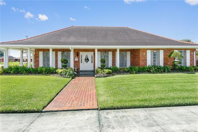 940 Maplewood Drive, Harvey, LA 70058 (MLS #2175922) :: Turner Real Estate Group