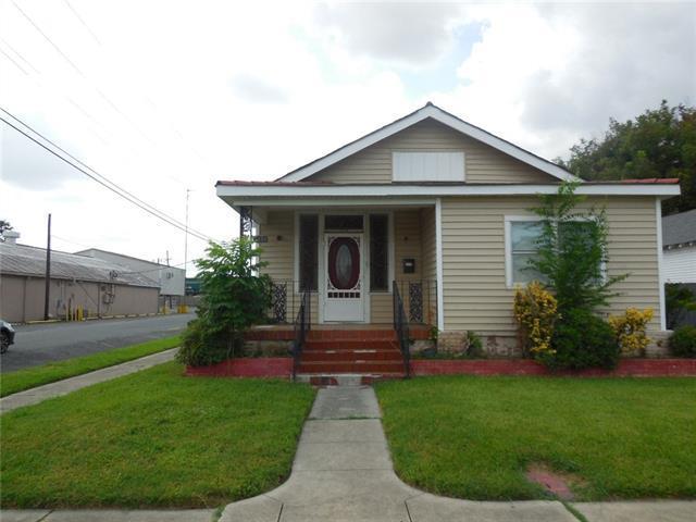 433 Monroe Street, Gretna, LA 70053 (MLS #2177014) :: Crescent City Living LLC