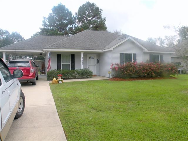 20046 Pecan Trace Drive, Ponchatoula, LA 70454 (MLS #2177391) :: Crescent City Living LLC